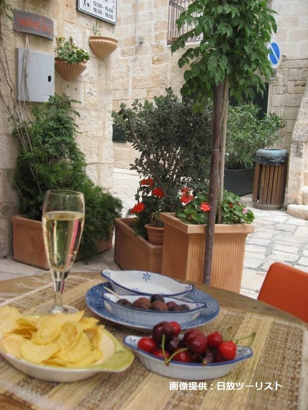 【南イタリア】プーリア州の食卓 ~チーズ工房・アグリでの料理レッスン・白い街並み・シーフード~ を味わう7日間